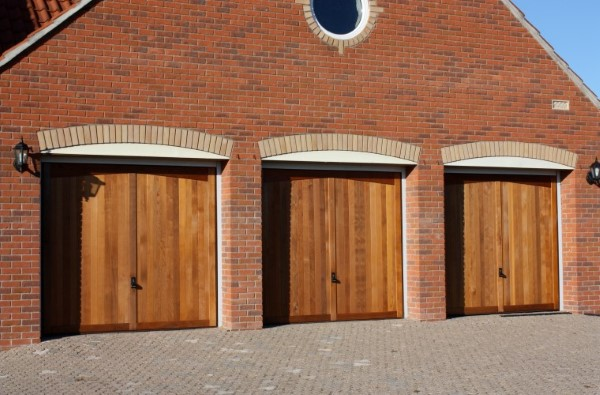 wood garage doors in somerset